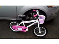 HELLO KITTY GIRLS BIKE AGE 4-6 £30