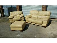 Comfy cream light beige leather 3 piece sofa suite.a but of wear.can deliver