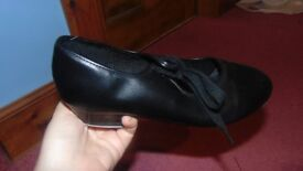 Womens tap shoes barely used