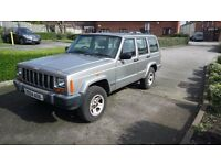 4x4 light utility Cherakee Jeep Estate
