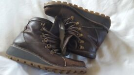 Leather boots size 3