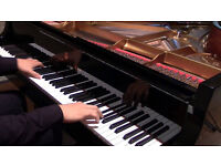 Piano lessons available in London - highly qualified piano teacher