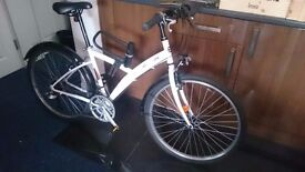 Hybrid Bike AS NEW available for collection £100