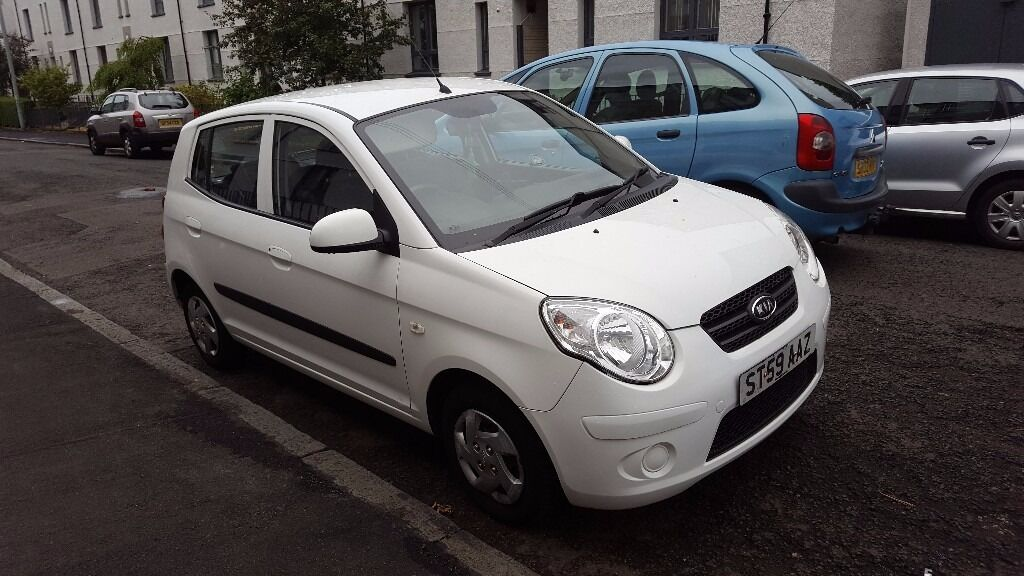 2009 white kia picanto 1 0 petrol manual 5 door with only 45k miles 1 year mot and 30 road tax. Black Bedroom Furniture Sets. Home Design Ideas