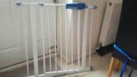 Pressure fit stairs gate