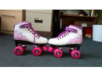 Boxed White Pink Purple Girls Quad Roller Skates (Size 2)