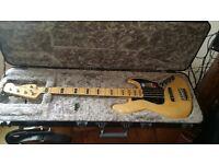 Fender American Elite 5 string Jazz Bass Mint 1 month old