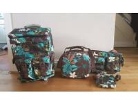 4 Piece - Roxy Travel Set - Suitcases