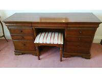 Beautiful dressing table with stool - FOR SALE