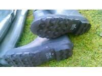 Thigh wader pairs. size 8