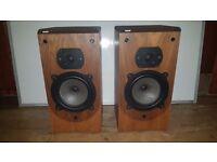 Vintage B&W DM22 Hi-Fi Speakers
