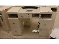 Nail station / desk