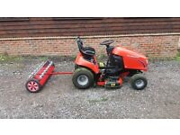RIDE ON MOWER WITH SCARIFIER
