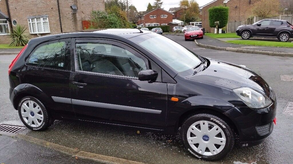 Ford Fiesta Mk6 1.25 Style 3 door in black. Petrol - 5 speed manual - MOT till June 18