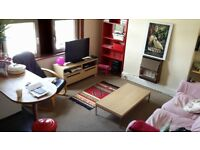 2 Bed Flat to rent unfurnished. 20 mins riverside walk to central Bath