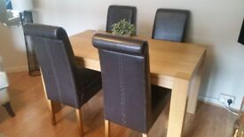 Dining table x4 dining chairs. Good condition