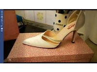 Bridal.shoes size 5 new in box