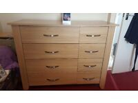 Oak bedroom set - Triple wardrobe, large chest drawers plus 2 bedside tables