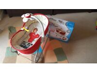 Tiny Love 3-in-1 Rocker Napper - Red + Free Moses Basket with Rocking Stand
