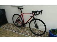 Charge plug. Road bike. Gravel bike.