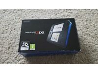 Nintendo 2DS black / blue