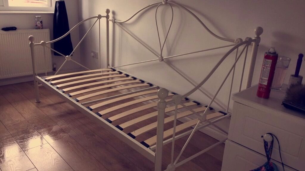 metal day bed frame no mattress included - Bed Frames With Mattress Included