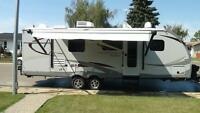 2014 Viewfinder Signature Series 27RBSS With Outside Kitchen