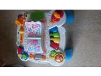 Leapfrog Learn & Groove Musical Activity Table - French And English