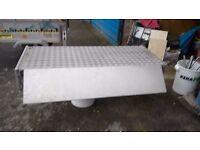 Aluminium roof box
