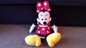 Large plush Minnie Mouse