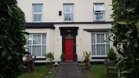 Spacious Double rooms available within a grand Victorian property. NO DEPOSIT.