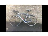 SCOTT Road Bike with Pump and Carbon Forks