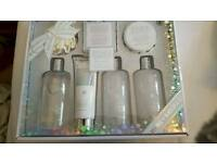 Bayliss and harding limited edition gift set