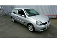 Renault clio 1.2 1 years mot great wee car