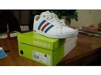 Adidas neo derby trainers size 9.5. Worn for 10 mins.