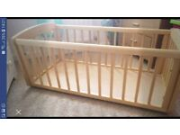Mothercare swinging crib vgc