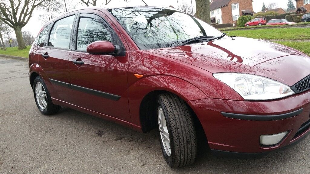 Ford focus 2002 . 1.6cc. 5 doors. Services to 75000