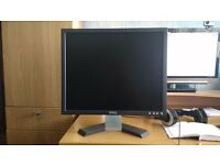 "19"" Dell E196FPb LCD Monitor (Black)"
