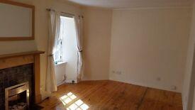1 bedroom top floor flat in central Kirkcaldy