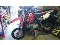 Apollo rfz 150 elite s pit bike motorbike. Brand new 1 hr use break in top of the range cost £1500