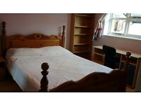 Room for Rent - Non-Smoking Double bedroom, en-suite bathroom (toilet, sink, shower