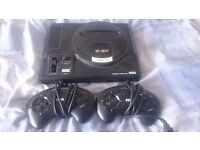 Sega Megadrive with 2 Controllers and 3 Games Sonic 2 Sonic & Knuckles and Earthworm Jim