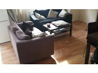 Large double/twin room available in a 4 bedroom house in Clapham Junction
