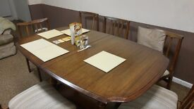 Dining table - expendable -in good condition for sale