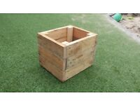 Small Garden Planter / Plant Pot - Upcycled pallets