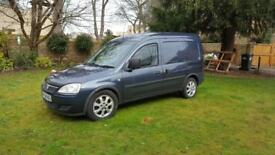 Very low mileage Vauxhall combo 1700 CDTI 43000 miles Cat D due to break in. boxed out, NO VAT