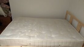 Well maintained small double mattress