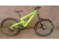 Scott Voltage FR20 HARDLY USED freeride / downhill bike DH FR £1500 rrp 2013