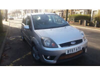 2007(57)FORD FIESTA 1.6 TDCi GHIA MET SILVER,VERY LOW MILES,NEW MOT,£30 TAX,LEATHER,GREAT VALUE