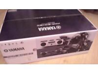 Yamaha MCR-B043D in White